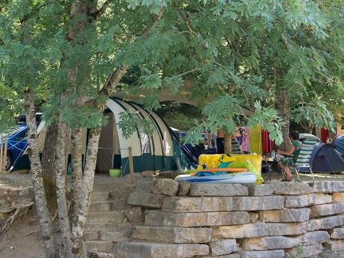 emplacement standard camping blaquiere