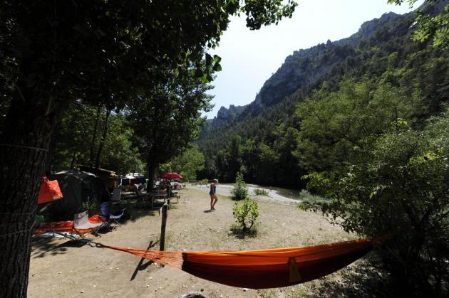 emplacements bord de riviere camping la blaquiere gorges du tarn