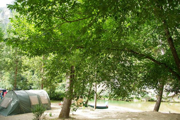 emplacement bord de riviere camping blaquiere gorges du tarn